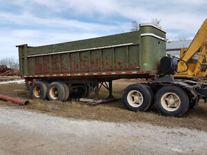 End dump, gravel trailer