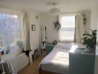 CR0 double room with a gorgeous view, next to Croydon town centre