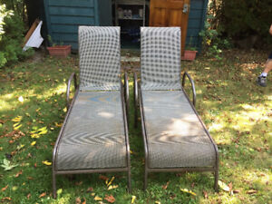 POOL CHAIRS/PATIO LOUNGERS