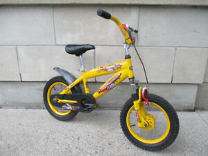 Kids Super 14 Mountain Bike - Boys Starter Bike - Light Suspensi
