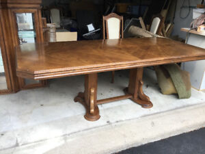 Dining Room Set And Buffet Hutch