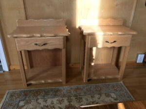 A set of 2 single drawer end tables