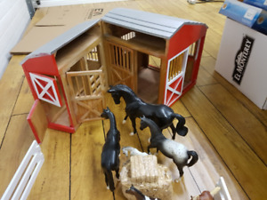 Melissa and Doug  LARGE Barn with Breyer Horses