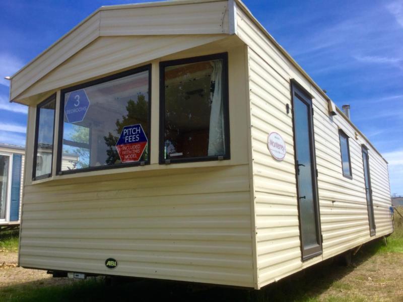 Static Caravan Nr Clacton-on-Sea Essex 3 Bedrooms 8 Berth ABI Monterey 2006