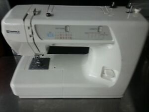 Like New Kenmore Sewing machine