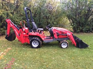 Massey Fergeson GC2610 TLB compact tractor backhoe