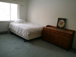 LARGE private furnished room 5 mins walk to Langara/49th