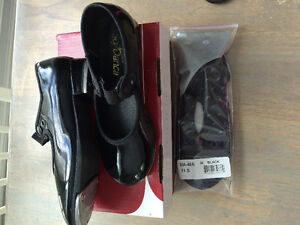 Like new tap shoes and ballet slippers size 11