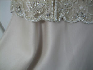 Evening Gown -  champagne  colour - Size 10-12   $50 firm London Ontario image 3