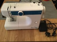 Queen deluxe 222 sewing machine fully working order