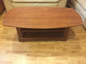 Living room table / coffee table