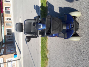 fortress scooter 1700 DT 4 wheels blue color tel.647-781-8987 it