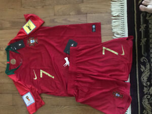 PORTUGAL RONALDO JERSEY 2018 with matching shorts (tags&patches)
