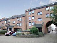 2 bedroom flat in Horseshoe Close, Docklands E14