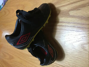Kids size 12 Umbro soccer cleats