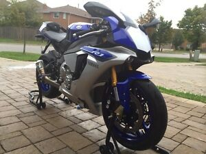 2015 Yamaha Yzf R1 for sale. Only 4400 kms