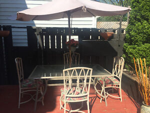 Patio Table with 4 Patio Chairs