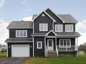 Superbe maison à paliers multiples à vendre