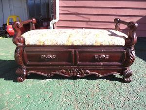 -antic bench--------banc antique      350
