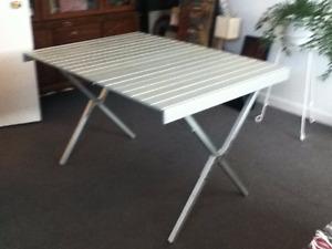 table pliante en aluminium