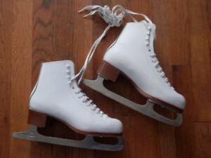 3 pairs of good figure skates