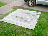 Free fence section