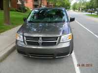 2010  Dodge Grand Caravan SXT   à vendre