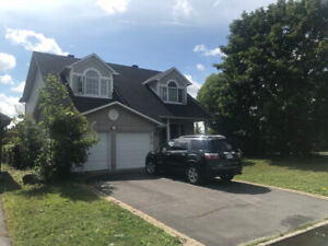 Home For Rent in Upper Hunt Club $ 3,250.00