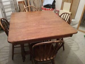 Antique Solid Maple Dining Table & 4 Hoop Back Chairs