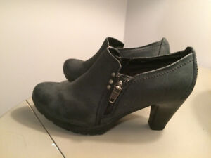 Almost Black Shoes - Size 7