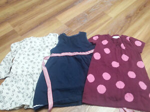 STILL AVAILABLE. Lot of girl spring clothes - size 18-24 months