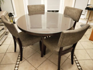 breakfast table+4 chairs for sale