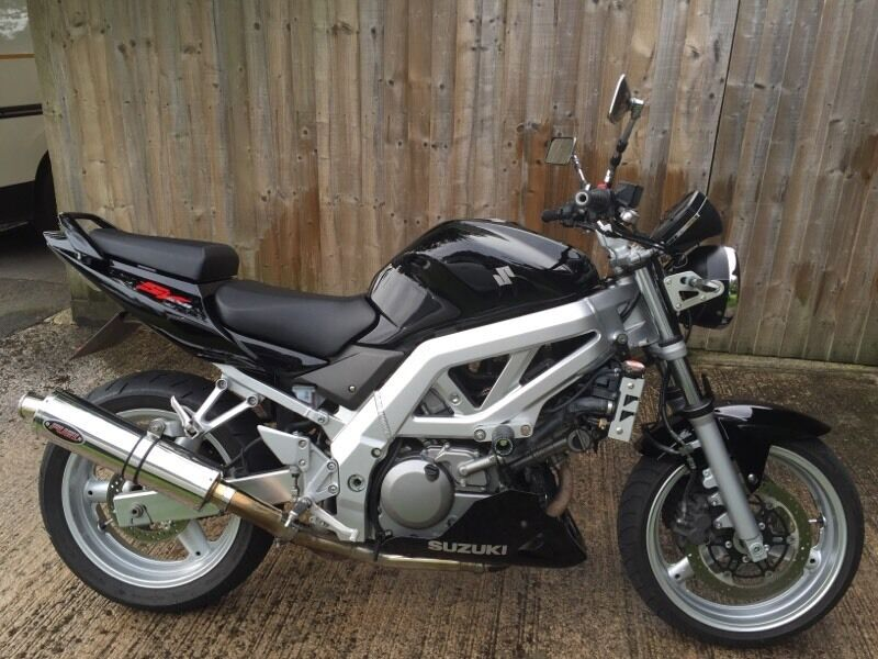 suzuki sv 650 n k4 2005 black including tail tidy belly pan 12 months mot sv650 in devizes. Black Bedroom Furniture Sets. Home Design Ideas