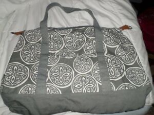 Thirty-One Retro Metro Weekender