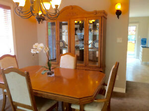 Oak Dining Room Table With Leaf 6 Chairs And Hutch