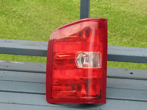 2007-13 Driver side tail light Lens for Chevy