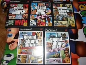 Lot de 5 Jeux GTA au PS2 en Parfait état - Échange ?