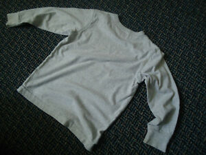 Boys Size 4/5 Long Sleeve Diver Cotton T-Shirt by GAP Kingston Kingston Area image 3