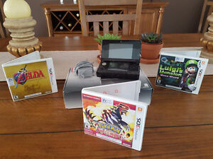 Nintendo 3DS with box and 3 games