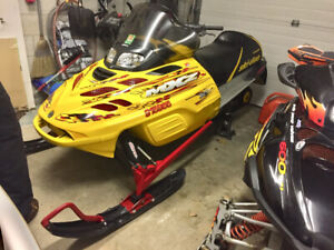 2002 skidoo mxz 500 fancooled estart and reverse.