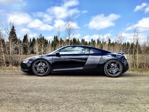 2009 Audi R8 Coupe V8 (2 door)