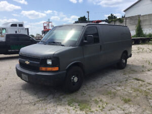 2008 Chevrolet Express 2500 / covered van