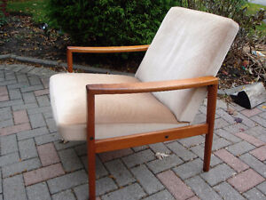Mid Century Buy And Sell Furniture In London Kijiji Classifieds