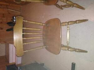 maple table and 6 chairs Kingston Kingston Area image 2