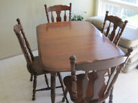 Solid Map;e dinning or Kitchen table 4 chairs