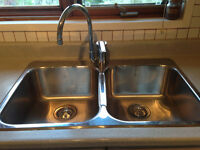 """Evier stainless double cuves 8"""" profondeur avec robinet Grohe"""