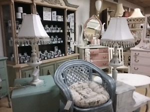 Shabby chic, Chalk paintfurniture, collectibles plus 1000 booths