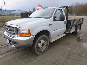 2000 Ford F-450 XLT Regular Cab 4X4 Flat Deck Truck