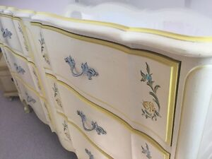 Antique French Provincial Bedroom Set by Dixie Furnitire A++++