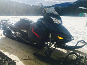 2015 Summit SP 163 - 2 Available, Low KMs